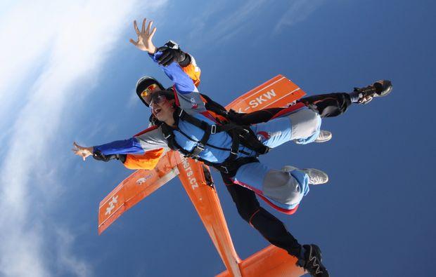 tschechien-fallschirm-tandemsprung-most