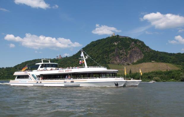 mini-kreuzfahrt-fuer-zwei-koeln-tagesreise
