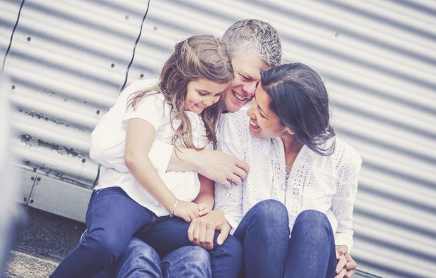 mobiles-fotoshooting-muenchen-mutter-vater-tochter