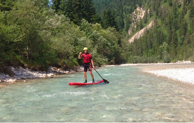 stand-up-paddling-lenggries-erlebnis-auf-dem-wasser