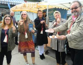 Genusstour Naschmarkt in Wien 7 bis 10 verschiedene Kostproben je nach Saison
