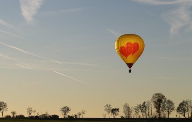 romantische-ballonfahrt-bad-rodach-sonnenuntergang