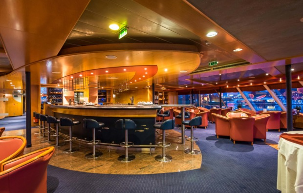 mini-kreuzfahrt-fuer-zwei-wien-budapest-bar