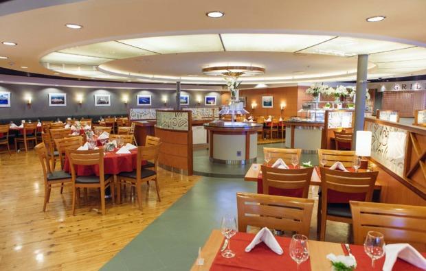 mini-kreuzfahrt-fuer-zwei-riga-restaurant