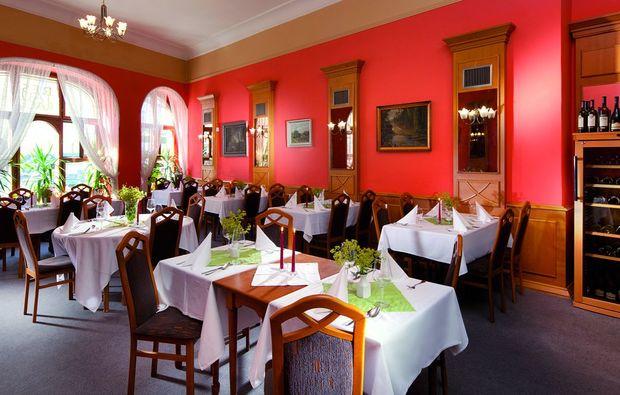 kurzurlaub-jindichuv-hradec-restaurant