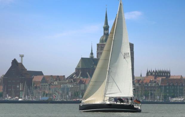 segel-schnupperkurs-stralsund-stadthafen