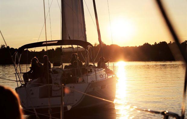 romantischer-segeltoern-chiemsee-mondschein
