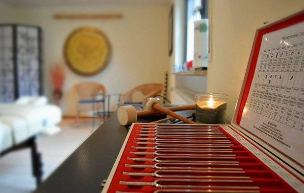 ganzkoerper-massage-eppelheim-stimmgabelmassage