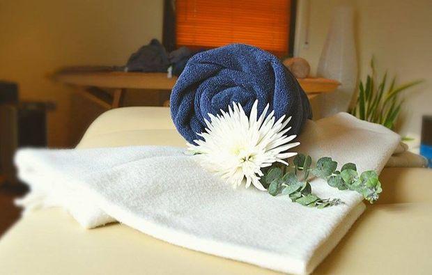 ganzkoerper-massage-eppelheim-wellnesstag