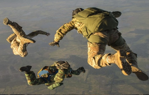 fallschirmsprung-simulator-hamburg-action