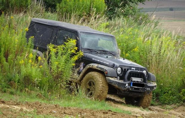 gelaendewagen-offroad-fahren-grossmehring-jeep