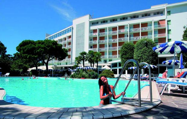 wellnesshotels-montegrotto-terme-nahe-padua-aussenpool