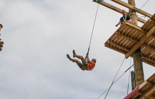 hochseilgarten-flying-fox-sky-jump-muenchen-spannung