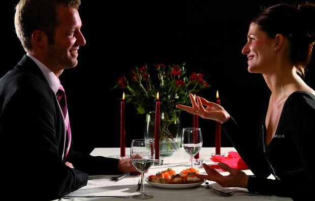 candle-light-dinner-fuer-zwei-obertshausen-paar1474889501