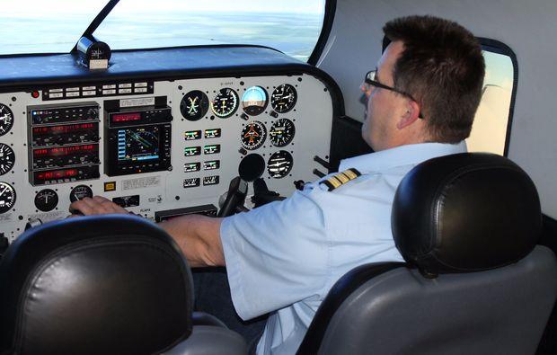 flugsimulator-leipzig-cockpit-piper-seneca