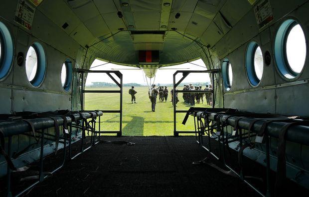 sprungturmausbildung-fallschirmsprung-kurs-siofok1490343551