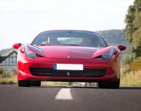 Ferrari 458 Italia selber fahren mit Instruktor - 30 Minuten - Arnstein Ferrari 458 Italia mit Instruktor – 30 Minuten