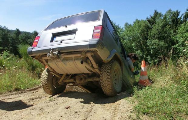 gelaendewagen-offroad-muellenbach-fahrzeug