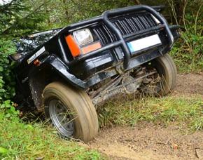 Geländewagen offroad fahren - 4x4 Offroad-Coaching am Nürburgring - Müllenbach Jeep Cherokee - 60 Minuten