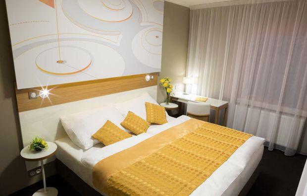 staedtereise-prag-hotel-golf-uebernachten