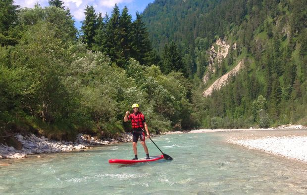 stand-up-paddling-lenggries-action