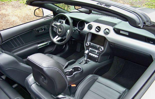 ford-mustang-fahren-stuttgart-innenausstattung