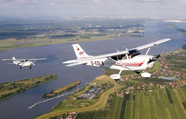 flugzeug-selber-fliegen-uetersen-heist-ausflug