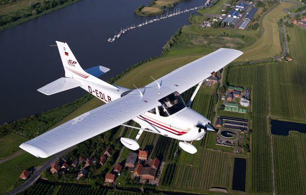 flugzeug-selber-fliegen-uetersen-heist-spass