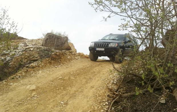 grand-cherokee-offroad-fahren-grossmehring-offroad
