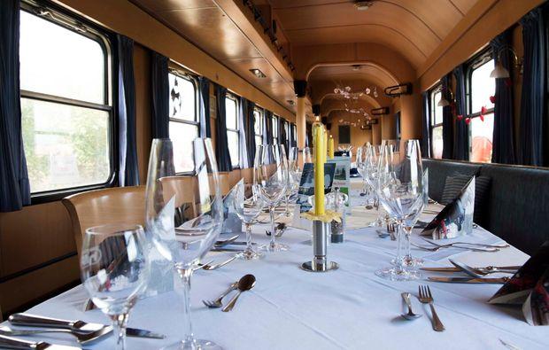 dinner-pommersfelden-zugspeisewagen
