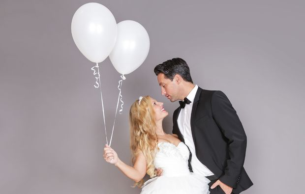 hochzeitsfotograf-duesseldorf-ballon-weiss