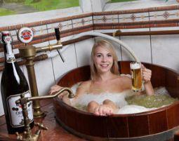 Kurztrip für Bierliebhaber (Bierbad Erlebnistag) Landhotel Moorhof - 4-Gänge-Menü, Bierbad