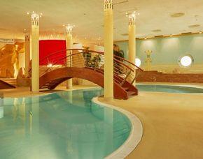 Kuschelwochenende - 1 ÜN H+ Hotel Magdeburg – 3-Gänge-Menü