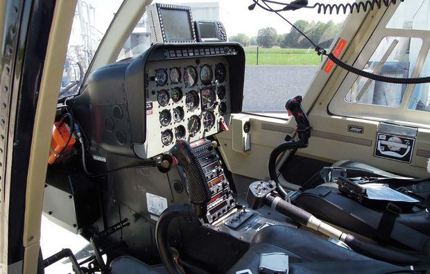 cockpit-hubschrauber-rundflug-trier-foehren