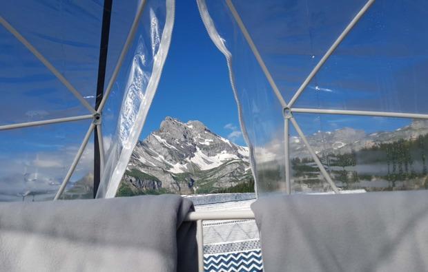 bubble-hotel-uebernachtung-kleinwangen-bergblick