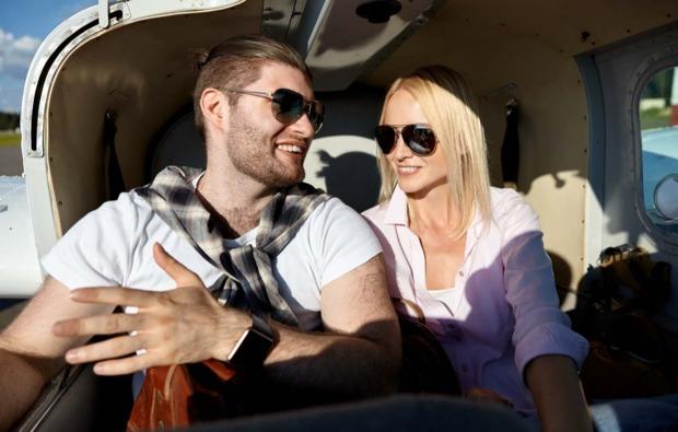 romantik-hubschrauber-rundflug-in-donauwoerth-paerchen