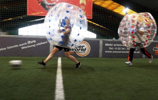 bubble-football-koeln-loevenich-action