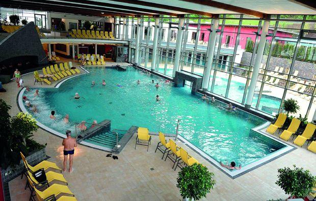 kurzurlaub-bad-bertrich-pool
