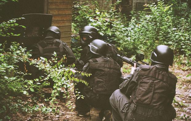 swat-haus-stuermen1477474400
