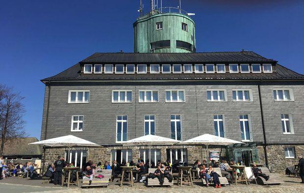 kurztrip-winterberg-hotel-terrasse