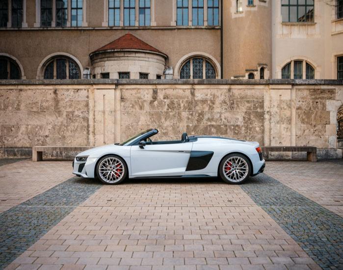 Audi R8 fahren (60 Minuten) Stuttgart Audi R8 Spyder - 1 Stunde