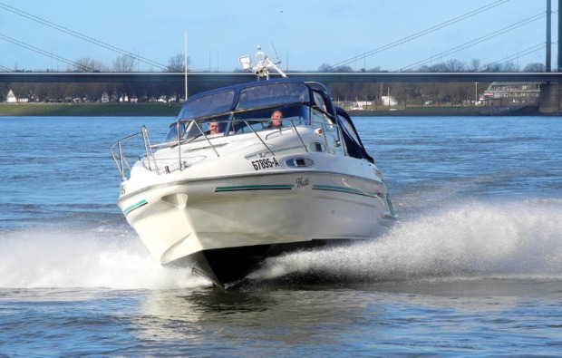 traumtag-fuer-zwei-duesseldorf-yacht