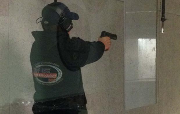 schiesstraining-grosskaliber-luhe-wildenau-pistole