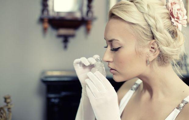 parfum-selber-herstellen-berlin-dame-riecht