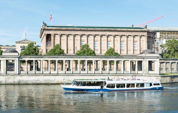mini-kreuzfahrt-fuer-zwei-hamburg-berlin-bg3