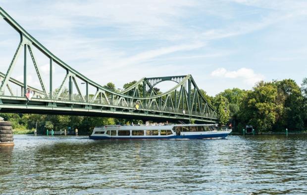 mini-kreuzfahrt-fuer-zwei-hamburg-berlin-bg6