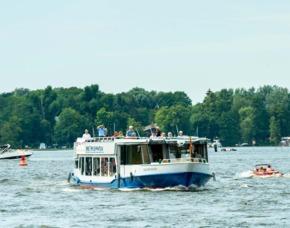 Flusskreuzfahrt Hamburg-Berlin 4 Übernachtungen von Hamburg nach Berlin, inklusive Frühstück und Mittagessen