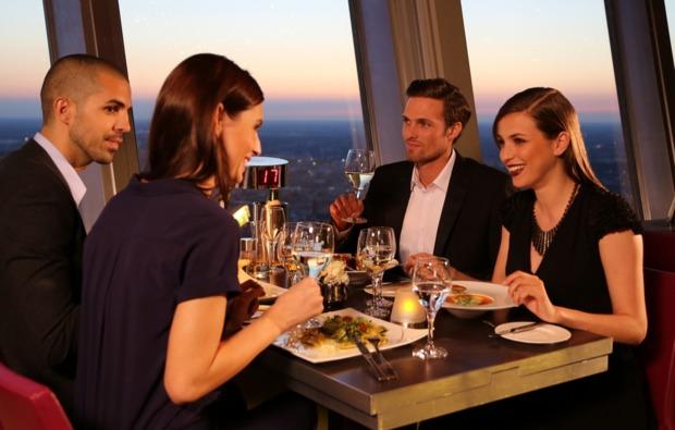 erlebnisreise-fernsehturm-berlin-dinner