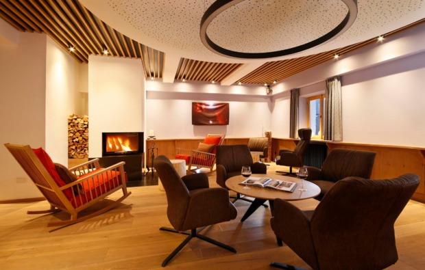 mondlandefaehre-uebernachtung-steinegg-lounge