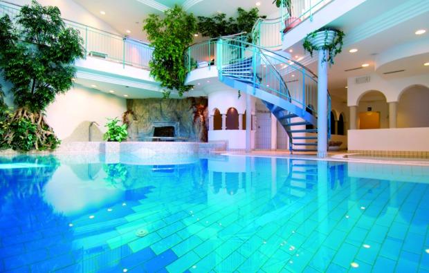 mondlandefaehre-uebernachtung-steinegg-pool